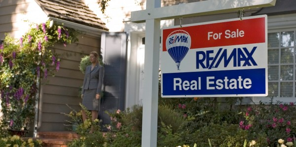 remax Sign_closeup